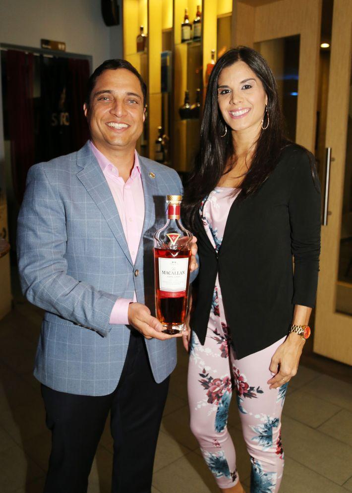 Joe Cabassa y Alexandra Rivera. Foto Nichole Saldarriaga.