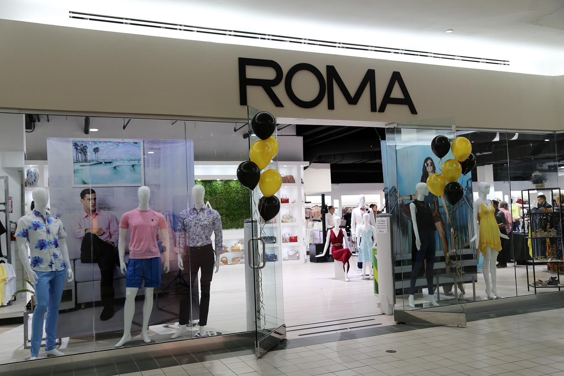 Entrada de la Tienda Roma. (Nichole Saldarriaga)