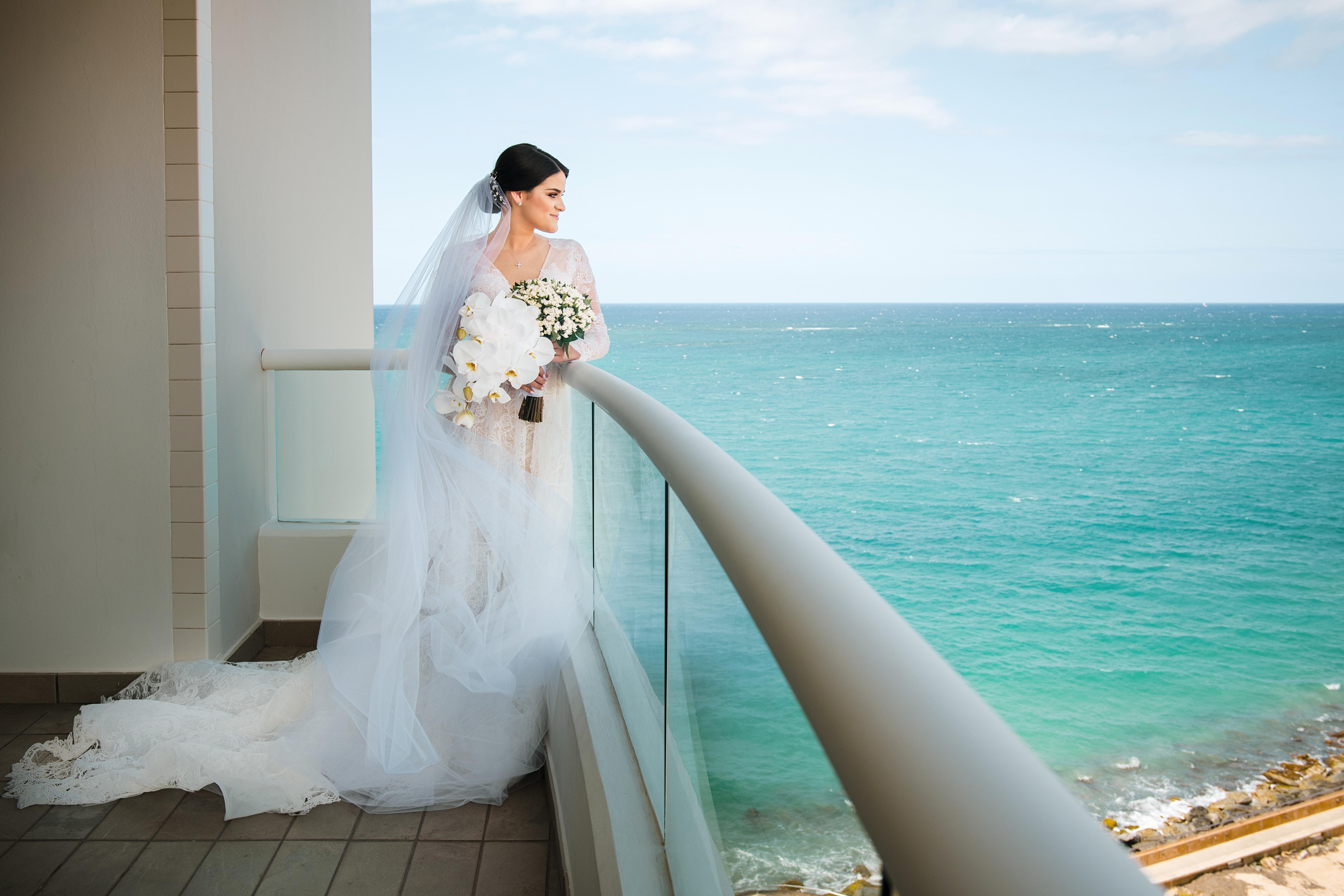 Ajuar de la novia: D'Royal Bride. (Suministrada)