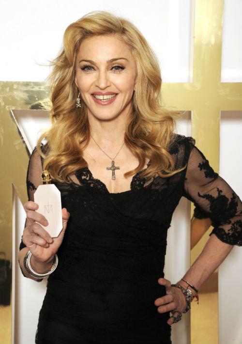 """Madonna. La reina del pop fue de las primeras cantantes contemporáneas en lanzar una fragancia propia y hace unos años lanzó """"Truth or Dare"""", un aroma que, como ella describió, evocaba el olor de su madre el cual recreó con toques de gardenia y nardos. (Foto: Archivo/ GFR Media)"""