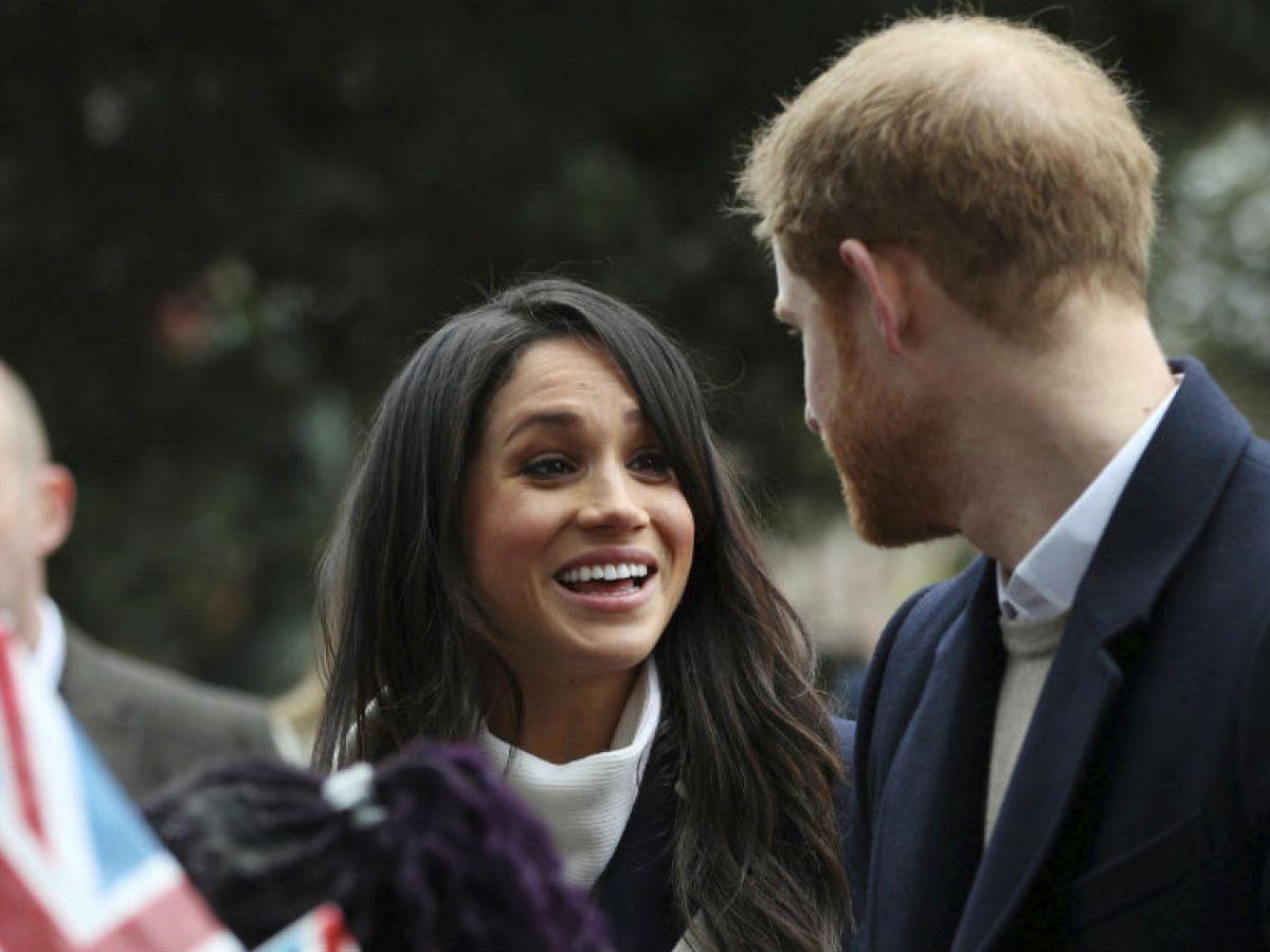 A dos meses de la boda, la reina Elizabeth II de Inglaterra ha dado su consentimiento oficial por carta al matrimonio entre su nieto el príncipe Harry y la estadounidense Meghan Markle. (Archivo)
