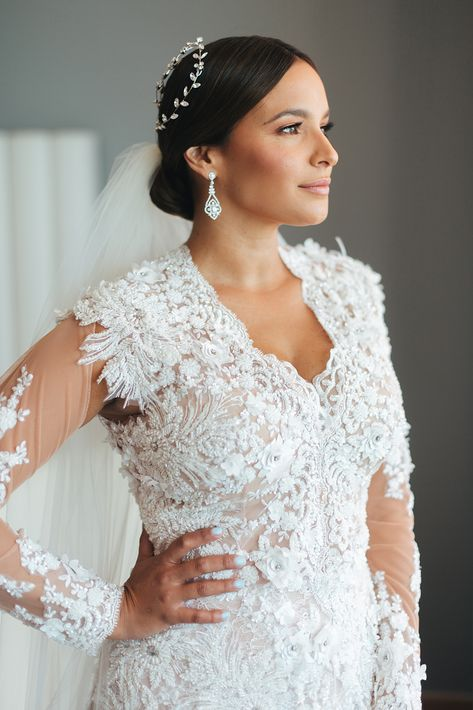 Vestido de la novia:  David Antonio | Arreglo personal: Raiza Montes