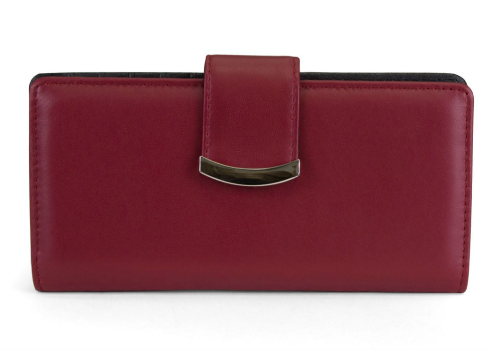 Monedero Mundi Slim Clutch Leather, de JC Penney. (Foto: Suministrada)