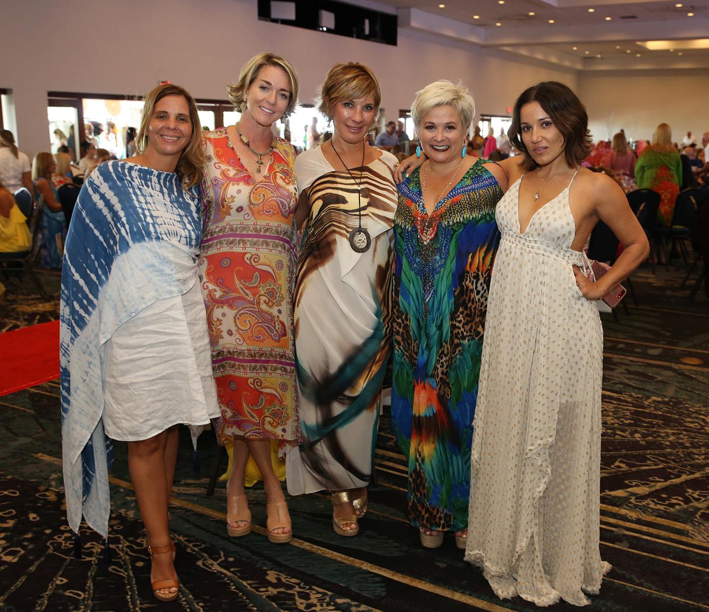 Sara Díaz Velarde, Valentina Proutty, Margarita Corral, Ana González y Patricia Beato. Fotos José Rafael Pérez Centeno