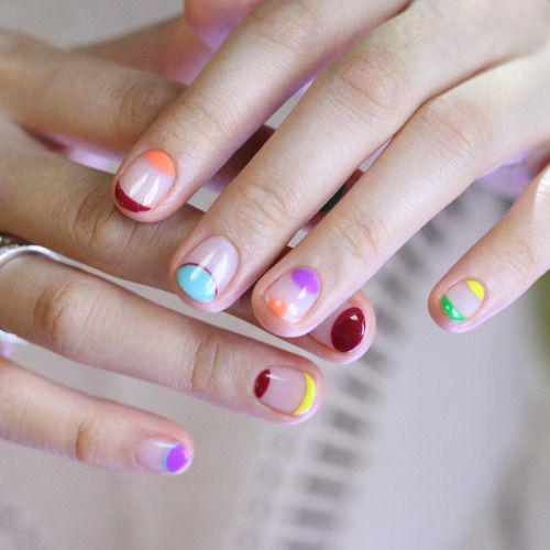 Gotas de color para tus uñas.
