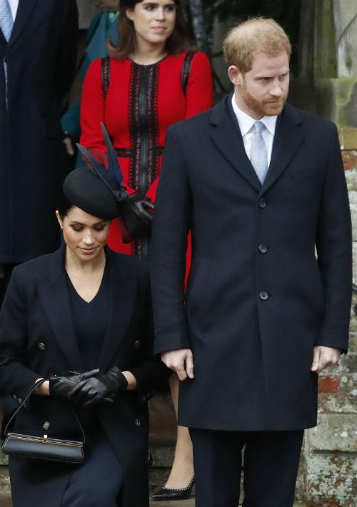 La duquesa de Sussex, Meghan Markle, lució su embarazo. (AP)