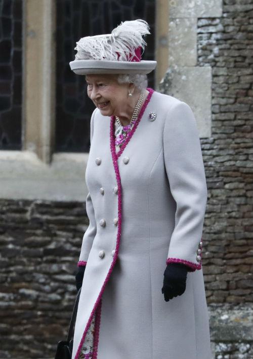 Elizabet II incluyó reflexiones personales en su mensaje anual de Navidad. (AP)