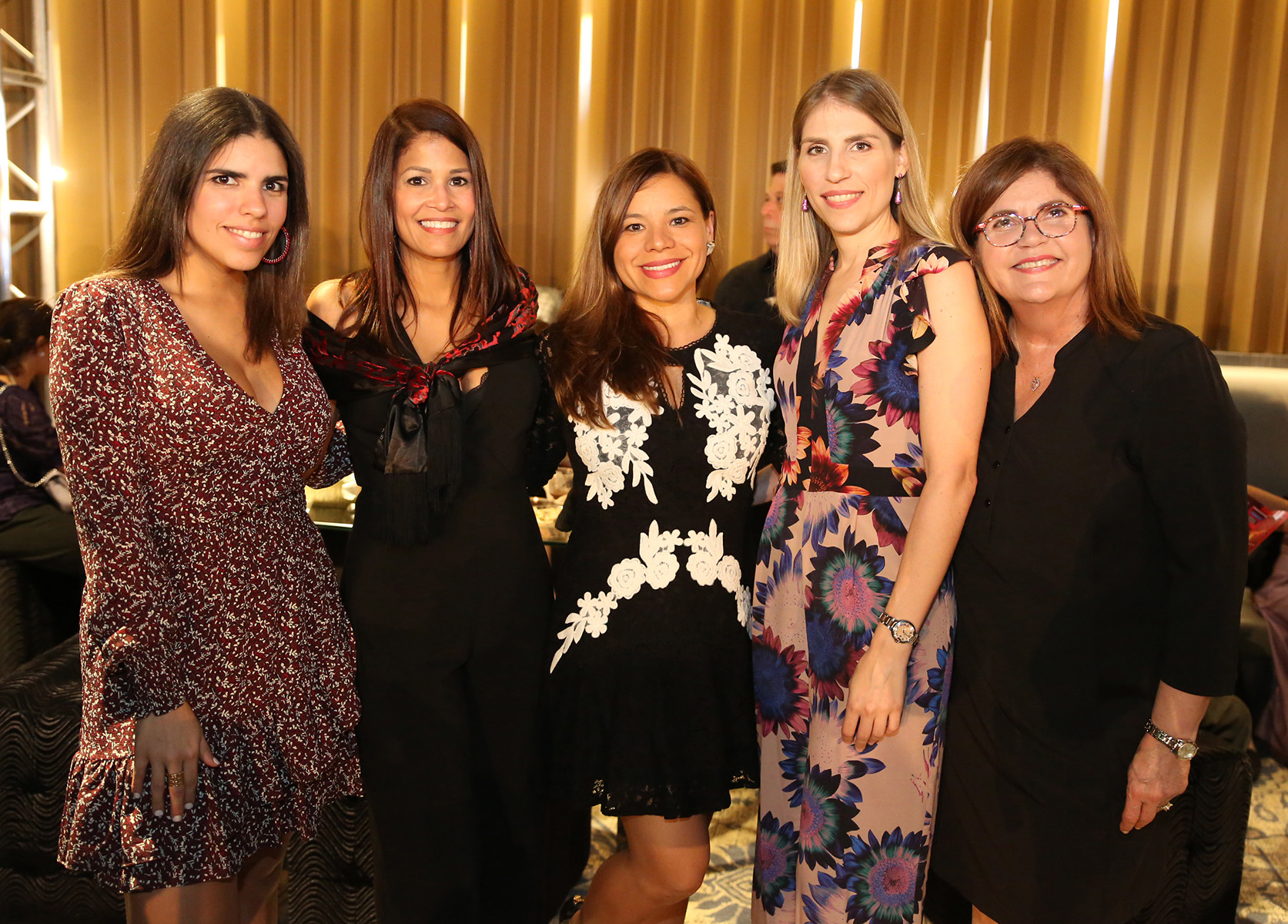 Natalia Abreu, Carol Santana, Martha Buitrago, Alicia Reyes y Maritza Soto.  (José R. Pérez Centeno)