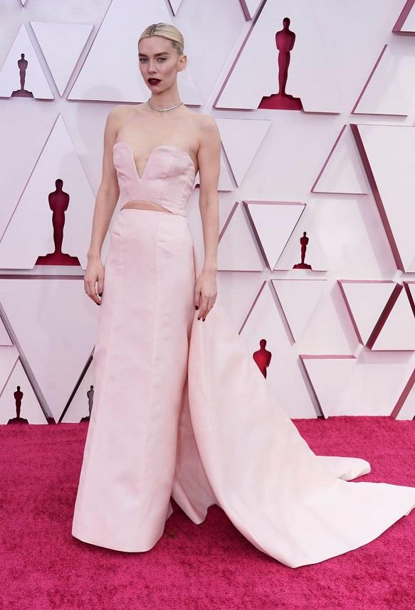 """La actriz Vanessa Kirby de la película """"Pieces of a Woman"""". (AP)"""