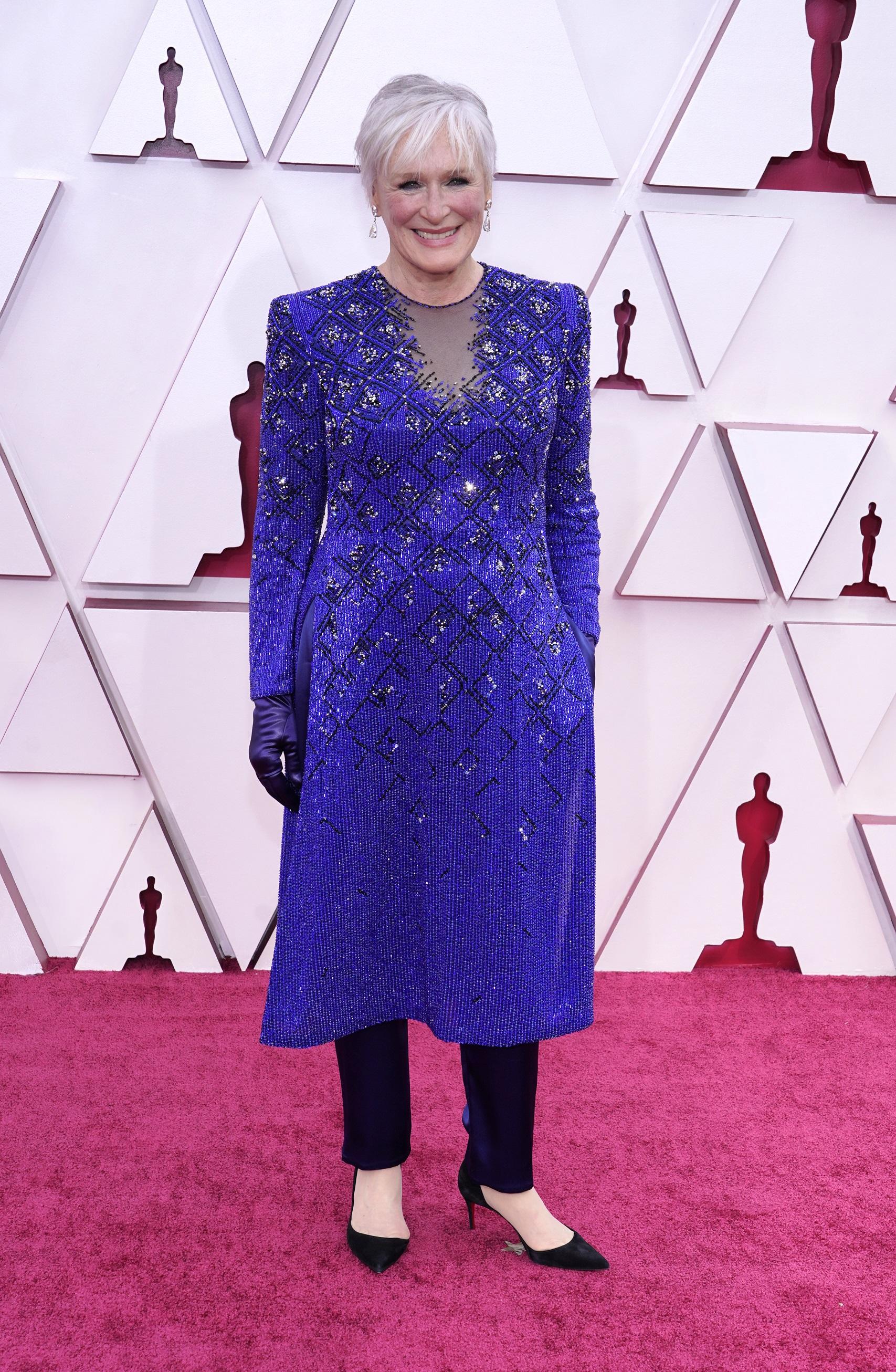 "La actriz Glenn Close  de la película ""Hillbilly Elegy,"" lució un atuendo de Armani Prive. (AP)"