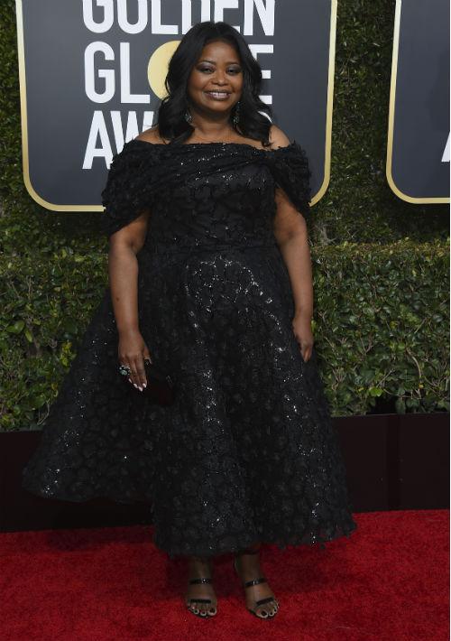 Octavia Spencer volvió a repetir al diseñador Christian Siriano. Esta vez, con un vestido al tobillo en color negro con falda ancha. (Foto:AP)