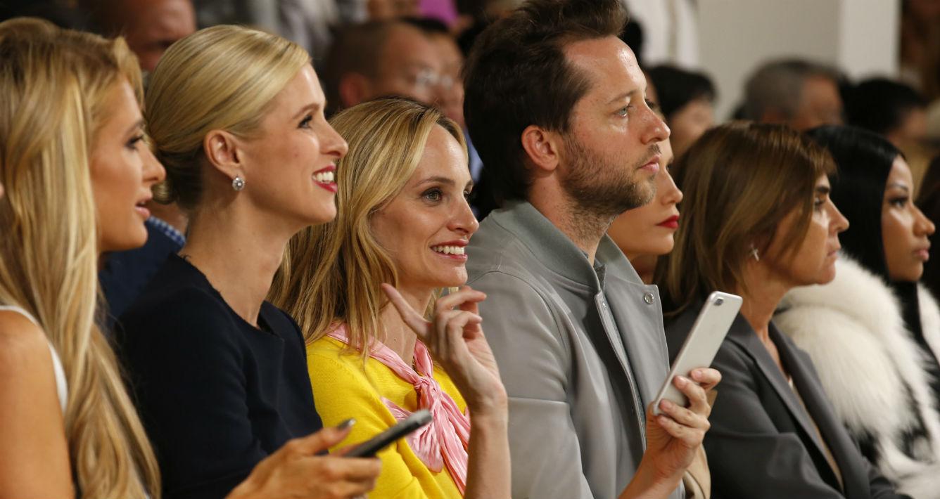 Entre las invitadas al show estuvieron Paris Hilton, Nicky Hilton Rothschild y Nicki Minaj. (AP)