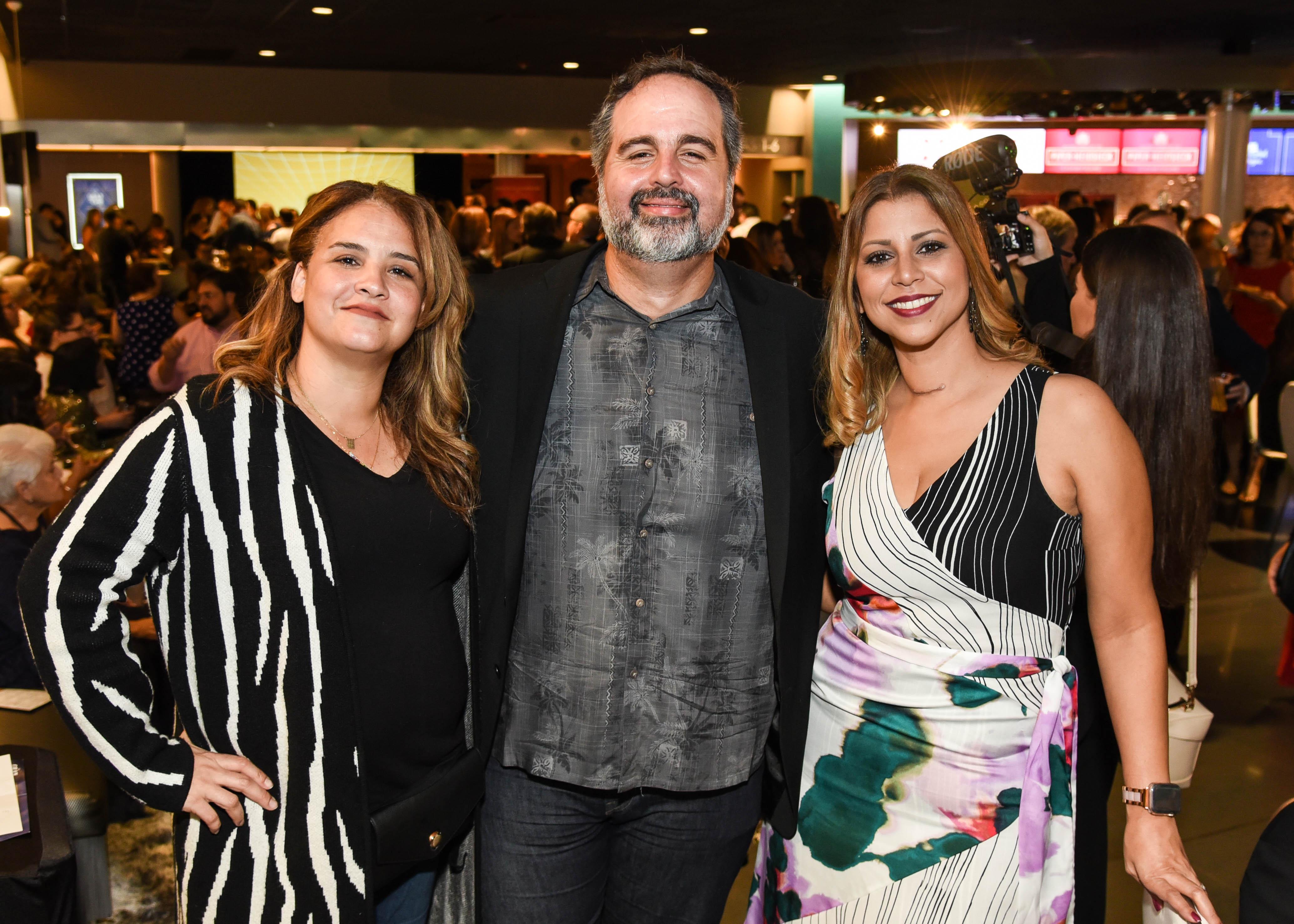Alexandra Cruz, Juan Fernández-París y Michelle Santiago. (Enid M. Salgado)