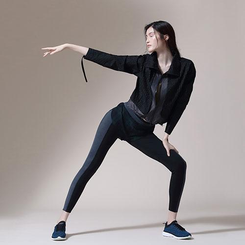 """""""Athleisure"""" – La """"stylist"""" Claudia Madrid describe este segmento de moda como esas piezas inspiradas en la ropa deportiva que mayormente viene en colores brillantes, estampados llamativos o detalles que las hacen ver más """"fashion"""". (Suministrada)"""