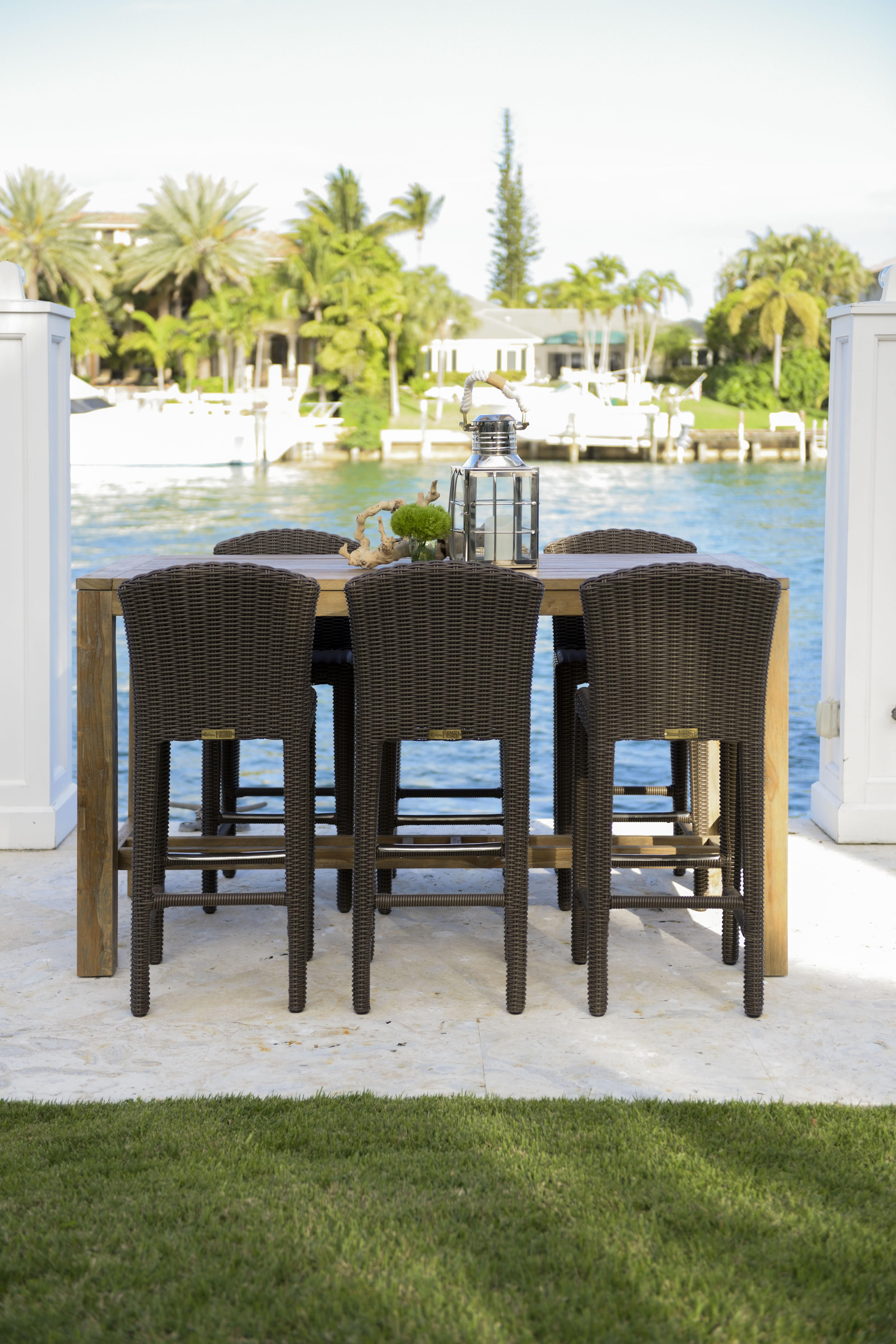 Patmos Bar - Rooms To Go presenta su nueva línea de muebles de patio, hechos para la mayoría de los climas en mimbre de alta calidad, aluminio y teca sólida con cojines tapizados en tela Sumbrella® para mayor resistencia. Sorprende a papá. (Suministrada)