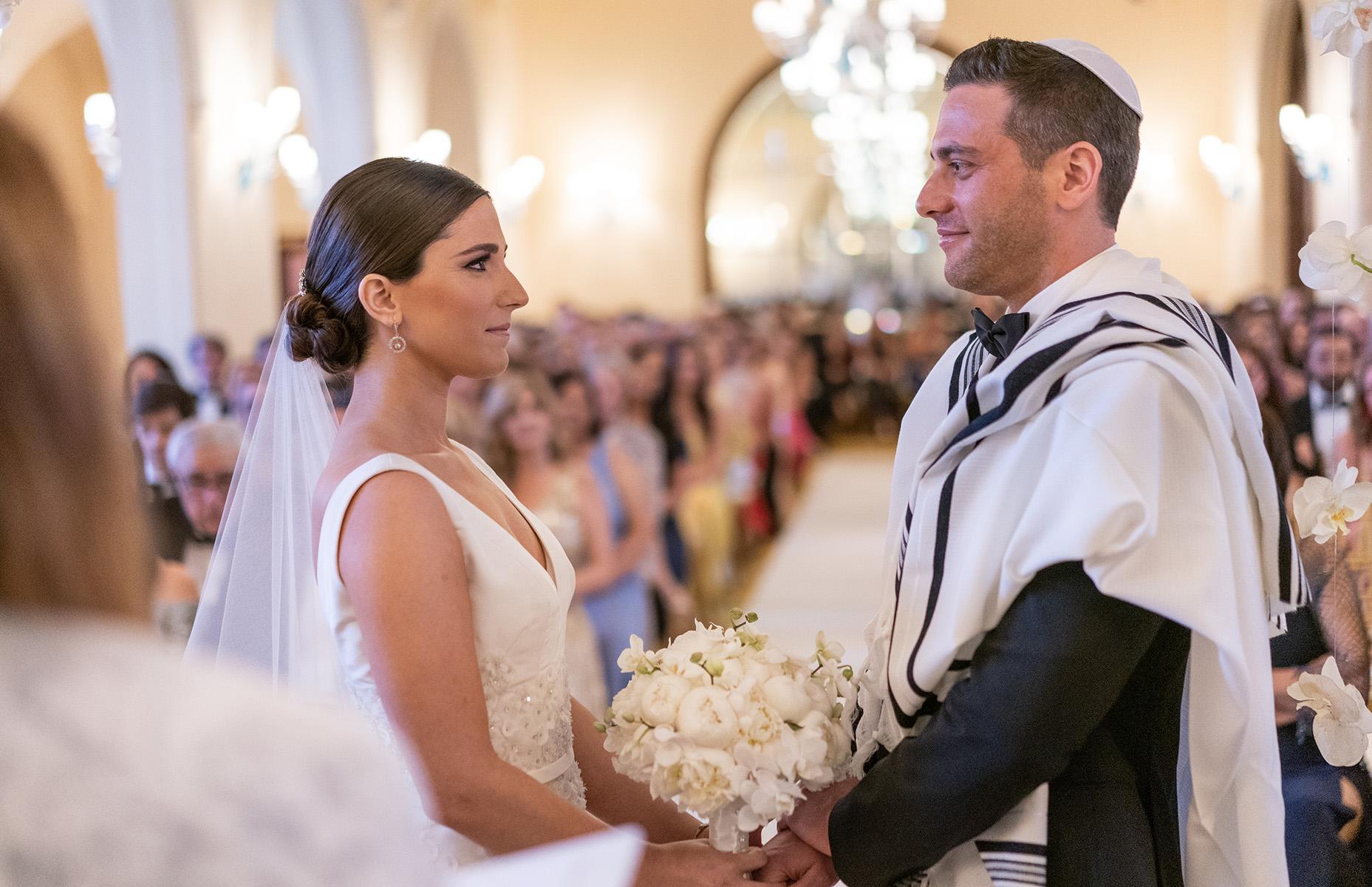 Patricia Garcia y Ofer Harduf se casaron por el rito judío en el Hotel Condado Vanderbilt. Foto Wilo Rosado.