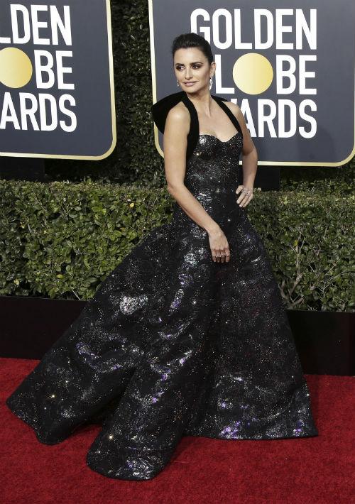 Penélope Cruz se fue a la segura con el color negro que lució en un vestido de Ralph & Russo. (Foto:AP)