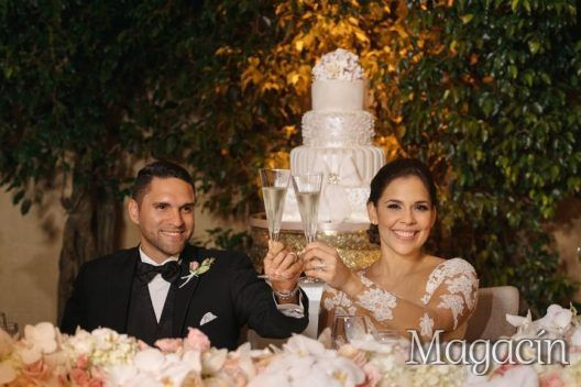 Bizcocho: Karen Padilla Luxury Wedding Cakes.