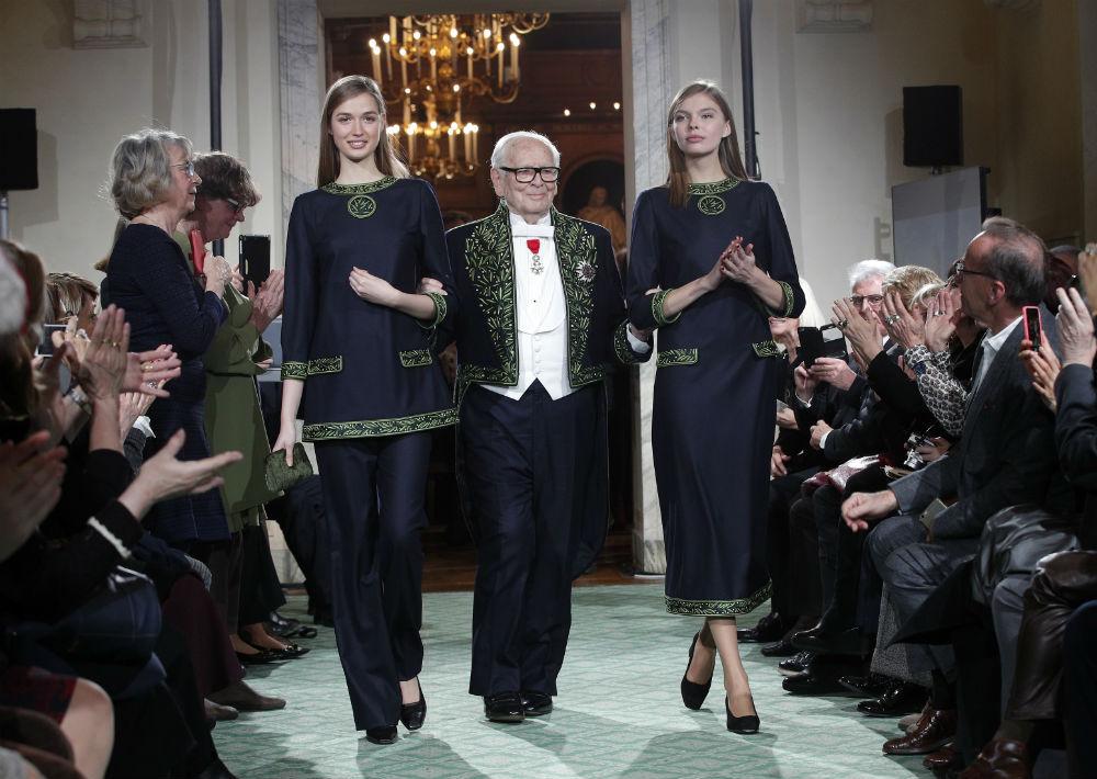 A sus 95 años, Pierre Cardin es el diseñador más longevo en la moda actual. (Archivo)