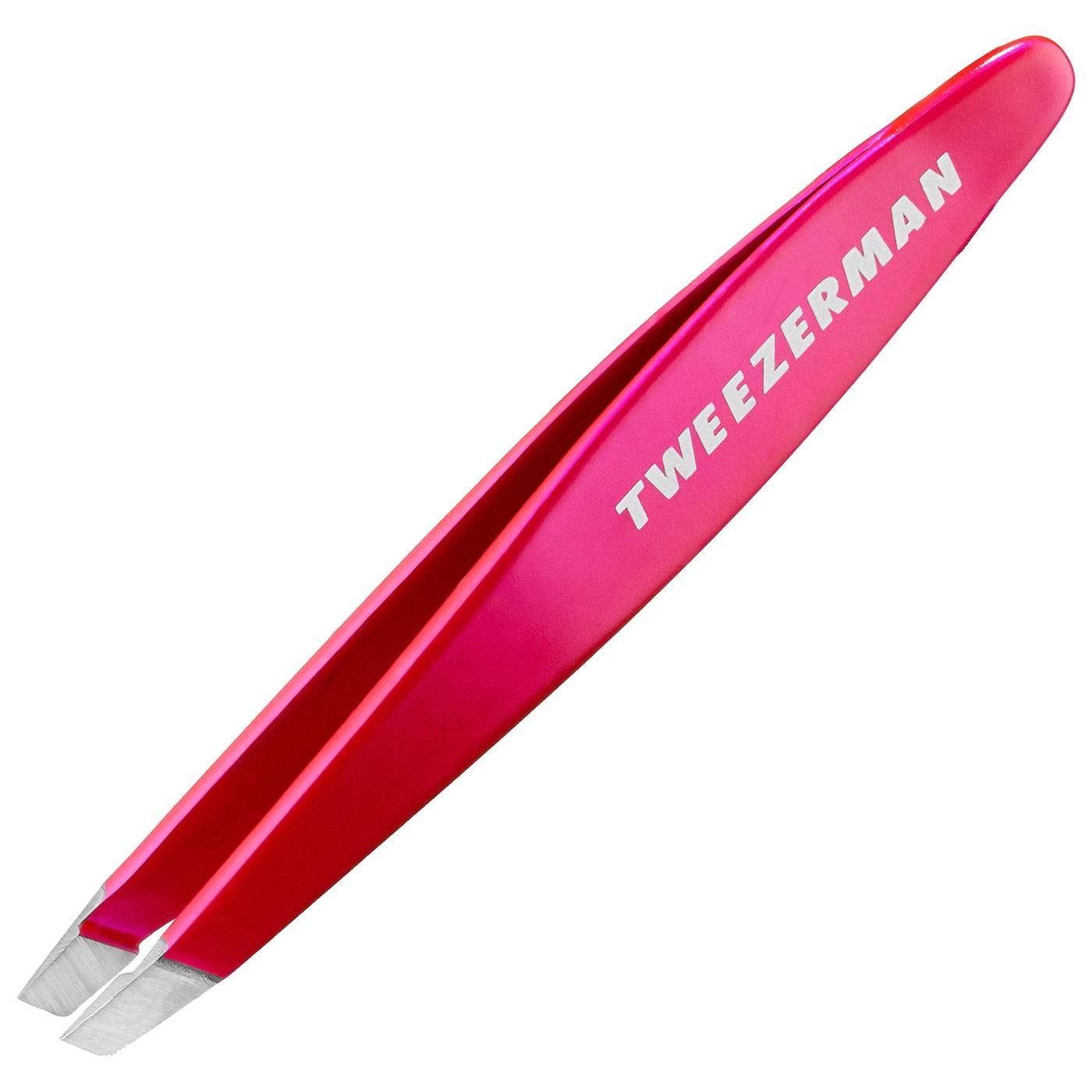 Unas pinzas para remover cualquier vello indeseado. Estas son de la marca Tweezerman, a la venta en farmacias. (Suministrada)