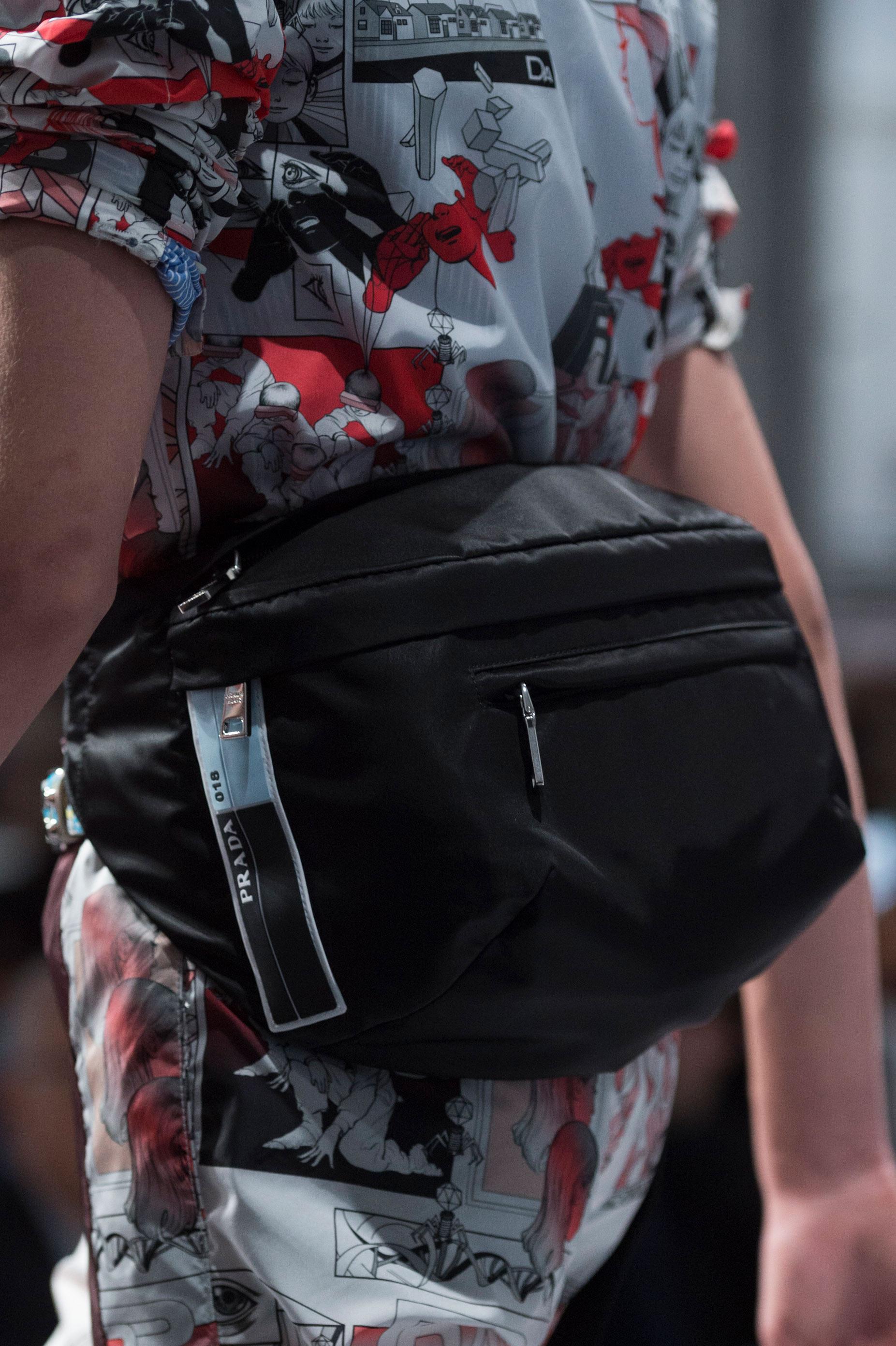 """Los """"funny pack"""" fueron el fetiche de la colección primavera-verano de Parada. Foto: WGSN."""