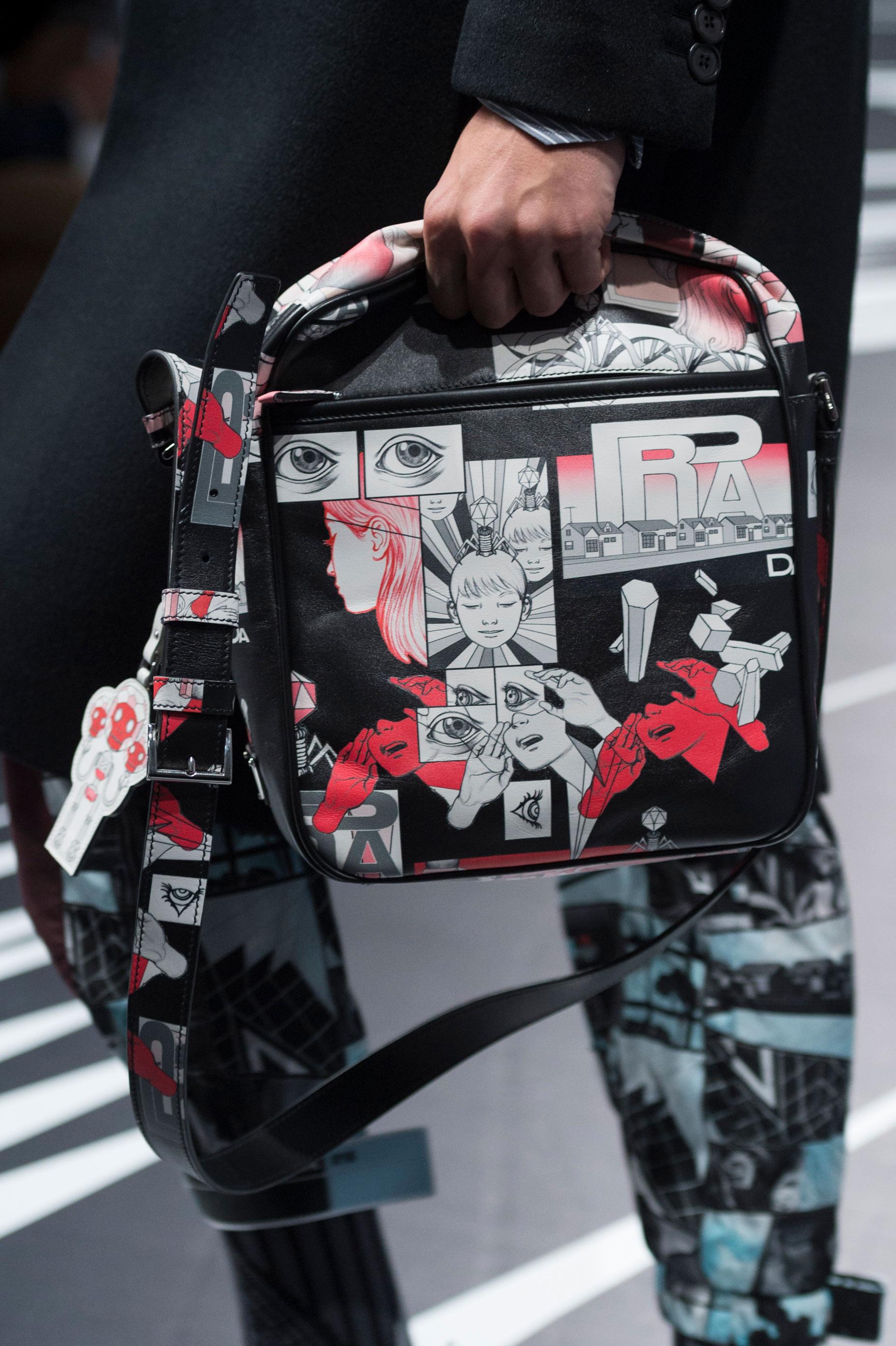 El negro, el rojo y el blanco, también protagonistas de los cómics-diseños de Prada. Foto: WGSN.