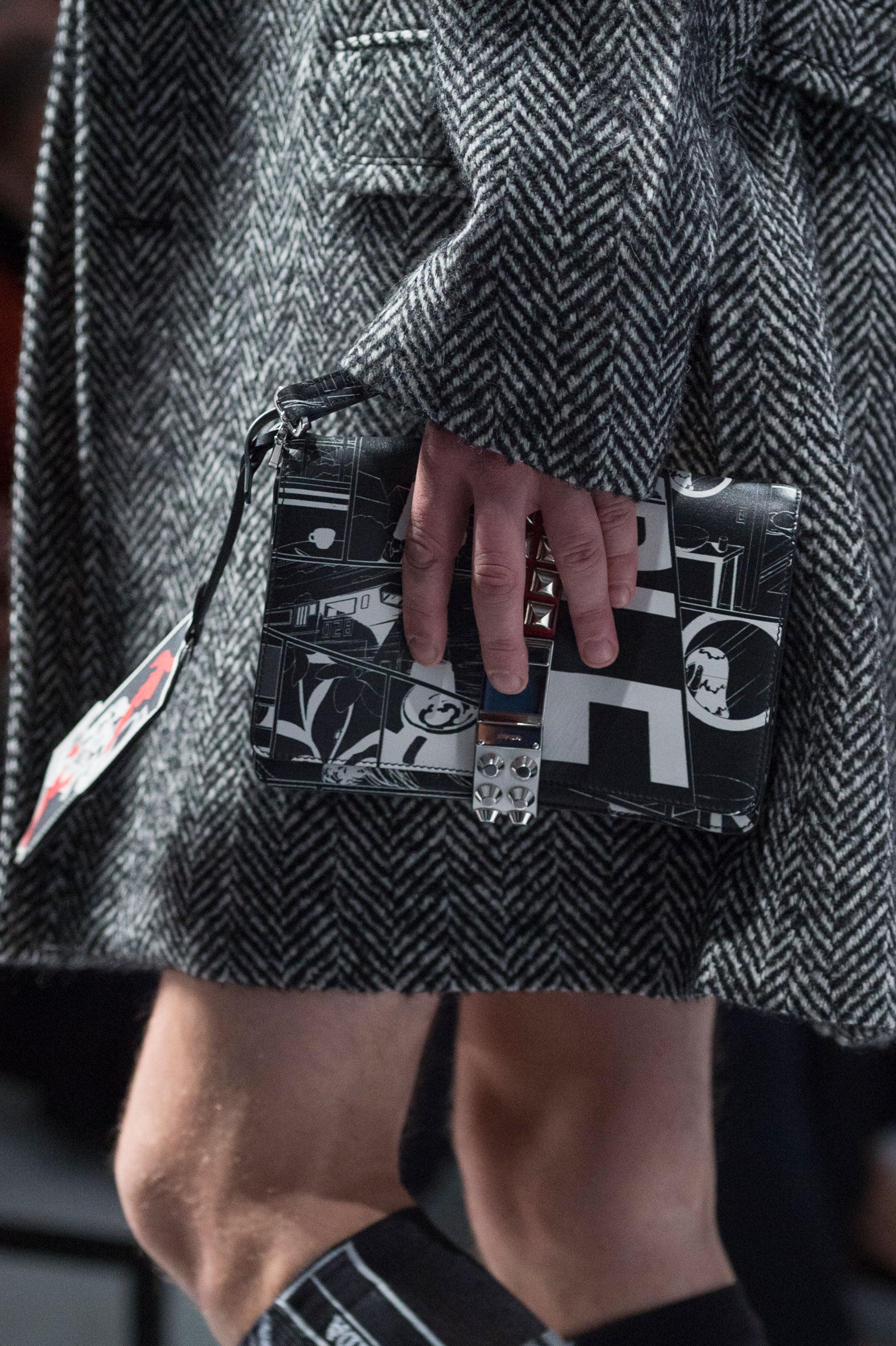Blanco y negro, para este diseño de bolso de Prada. Foto: WGSN.