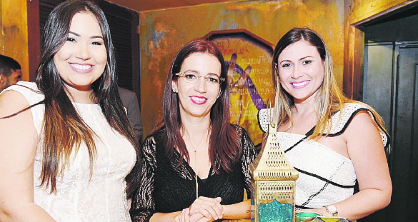 Eli Rivera, Mara Torres de Blanco by Mara -quien se encargó de la producción general del taller- y Fabiola Cruz.