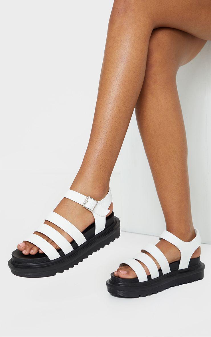 La comodidad que brinda la sandalia con plataforma la ha llevado a ser muy popular y uno de los grandes estilos en la moda casual de la temporada. (WGSN)