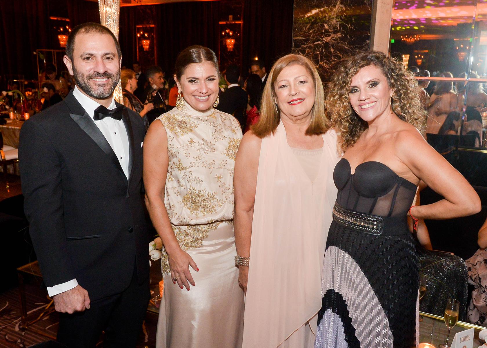 José Rodríguez, Marí Rodríguez, María Amelia Guzmán y Patricia Alomar. (Foto Enid M. Salgado Mercado)