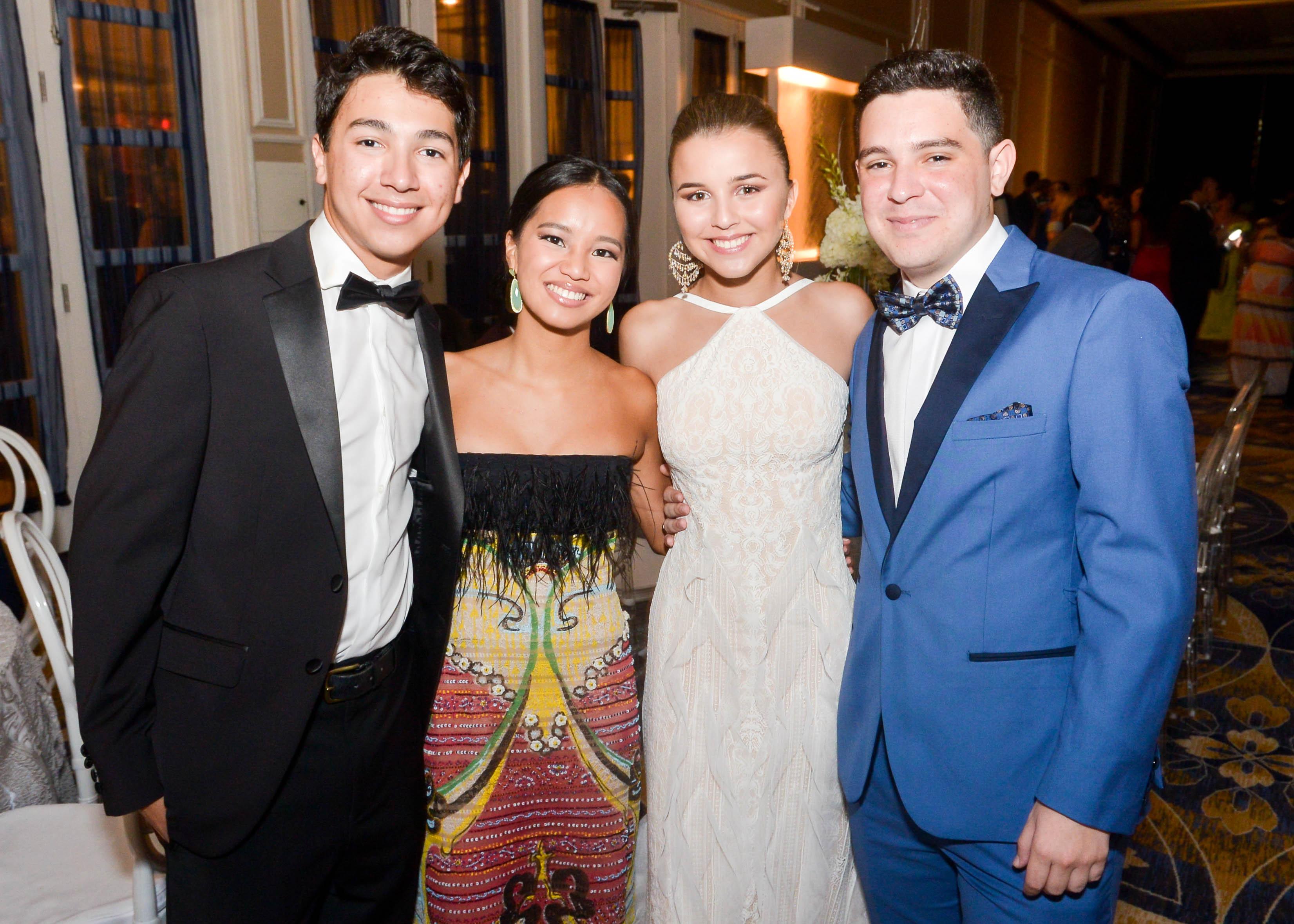Diego Anglade, Claudia Figueroa, Cristina Silva y José Pérez. (Enid M. Salgado Mercado)