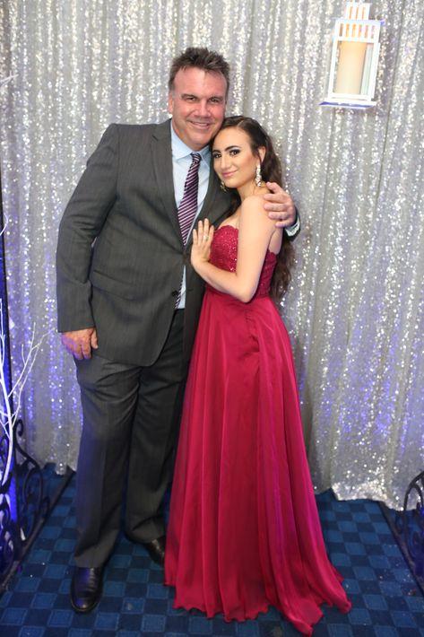 Joseph y Maristella Riley, en el prom de la Academia Ponce Interamericana.