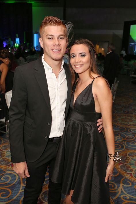 Derek Torres y Natalia Ayala, en el prom de la Academia Ponce Interamericana.