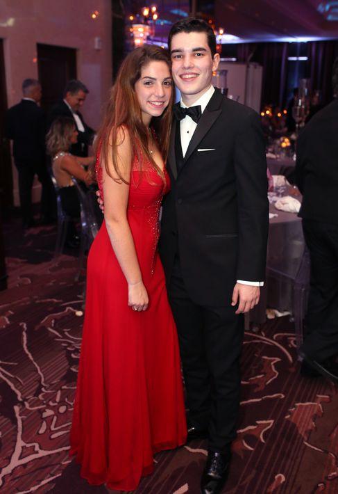 Erica Fuste y Diego Salinas, en el Senior Prom de Baldwin School.