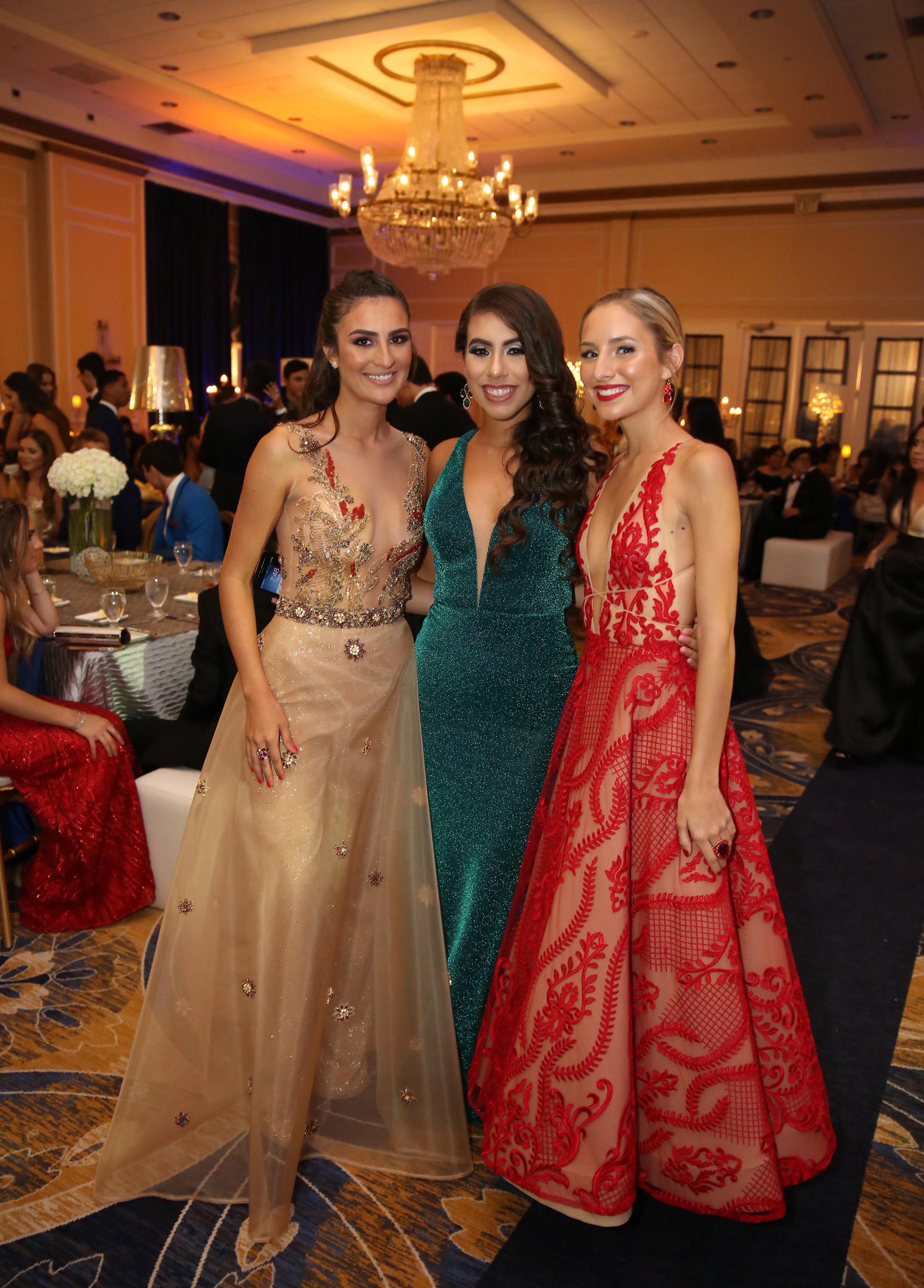 Dienesis Rivera, Katelyn McDonough y Claudia García. (José R. Pérez Centeno)