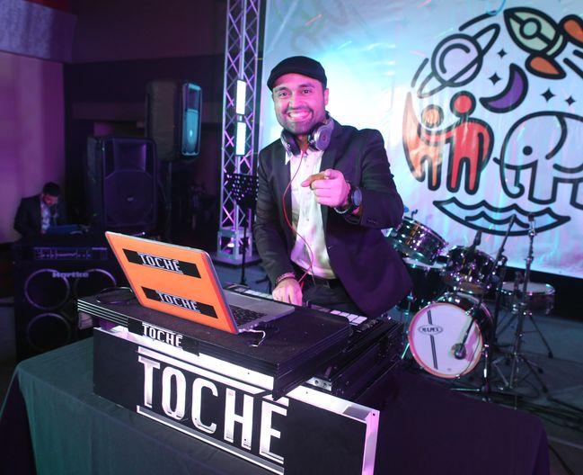 DJ Toche en el Prom del Colegio de la Inmaculada.