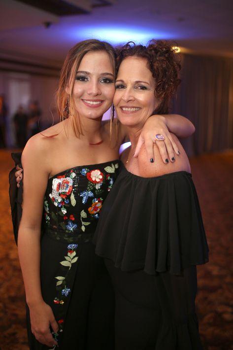 Julieta Cuyar y Carmen Franco. Foto José R. Pérez Centeno.