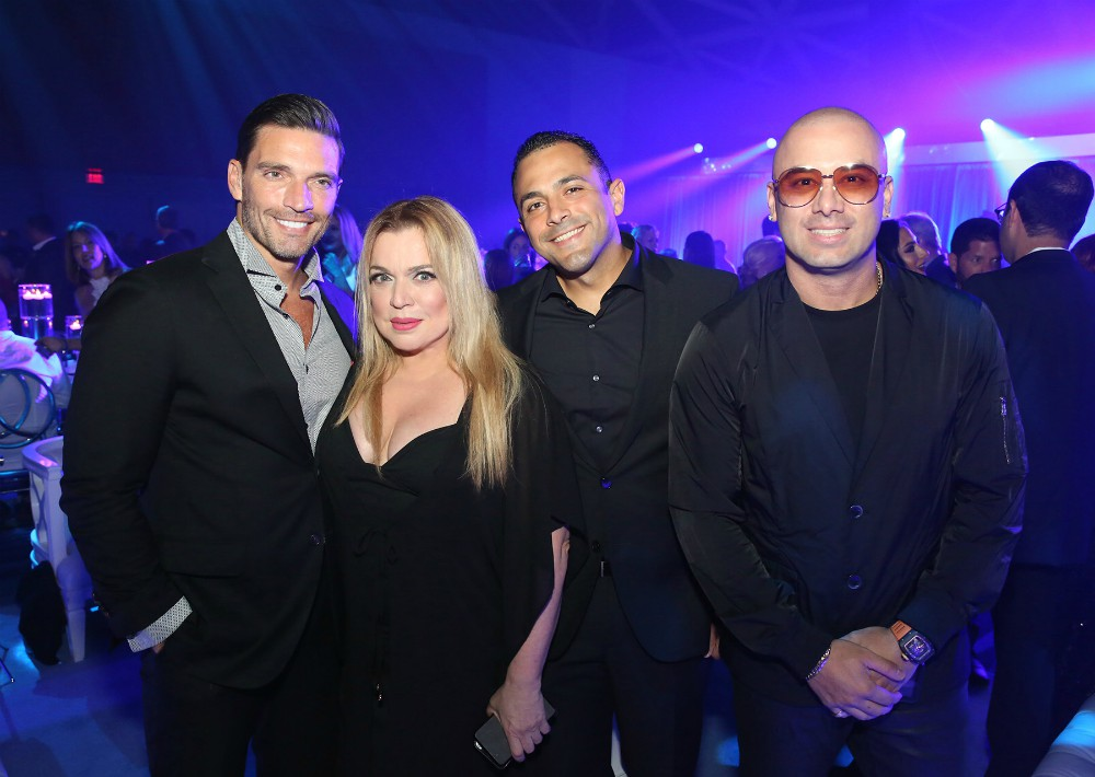 Amigos y colegas de Ricky Martin dijeron presente como Julián Gil, Ednita Nazario, Omar González y Wisin. (José Rafael Pérez Centeno)