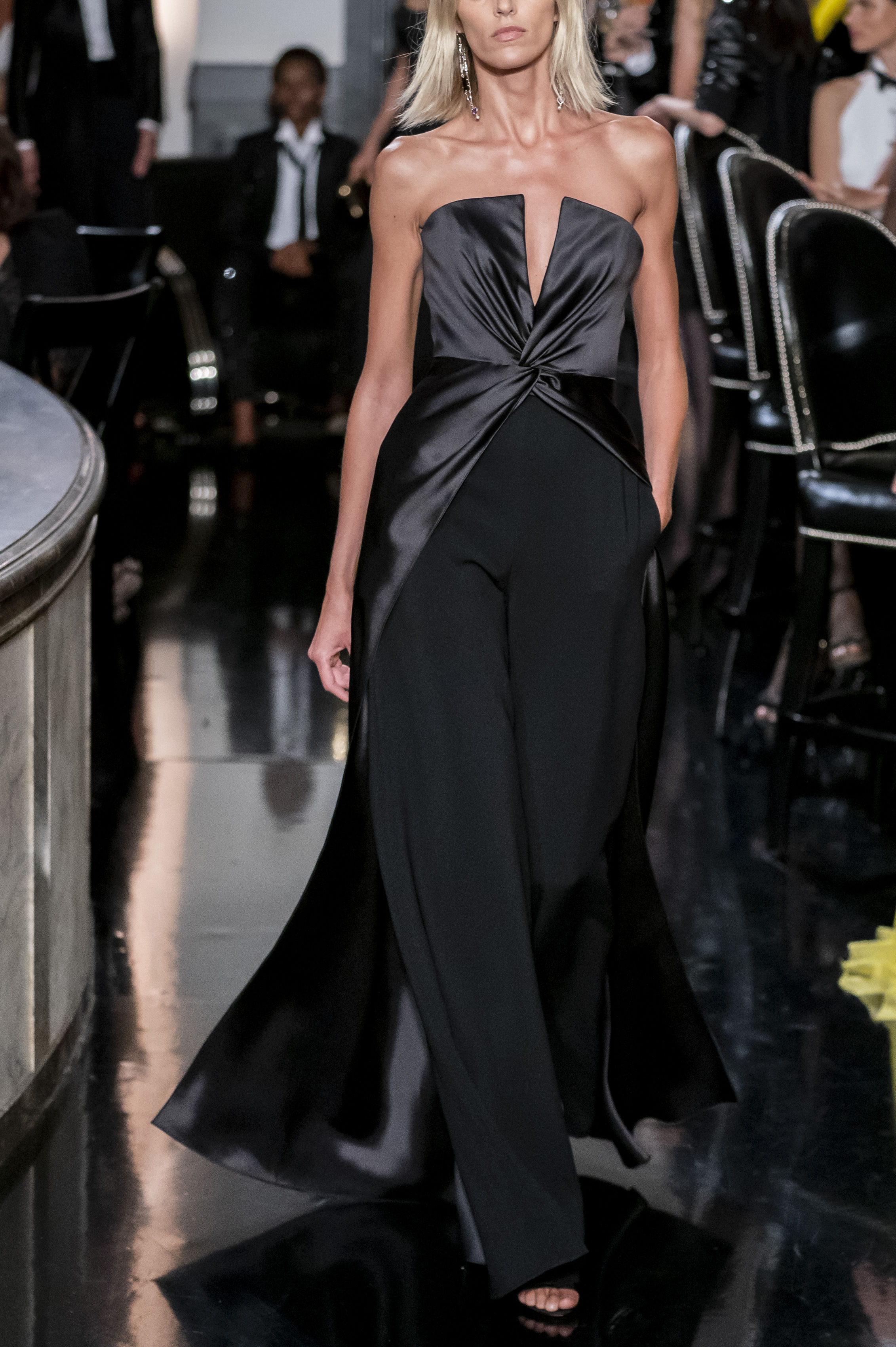"""Negro – Una pieza clásica que puedes transformar con solo hacer un cambio de zapatos o accesorios. También es posible cambiarle el """"look"""" si lo llevas con una chaqueta de moda. (Foto: WGSN)"""