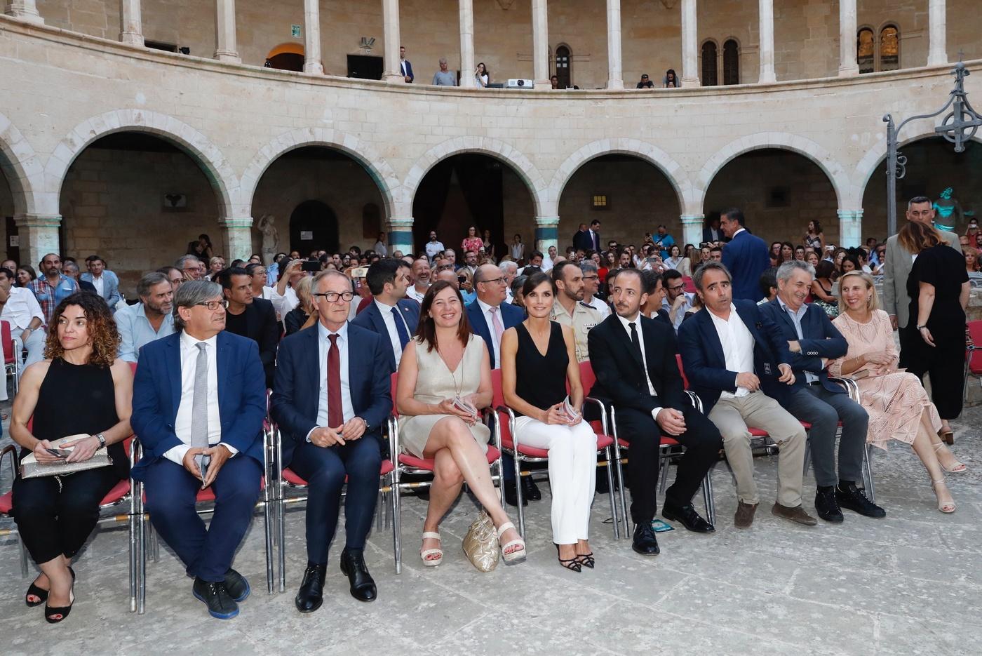 La audiencaia en el Patio de Armas en el Castillo de Bellver durante la ceremonia. (Casa de S.M. el Rey)