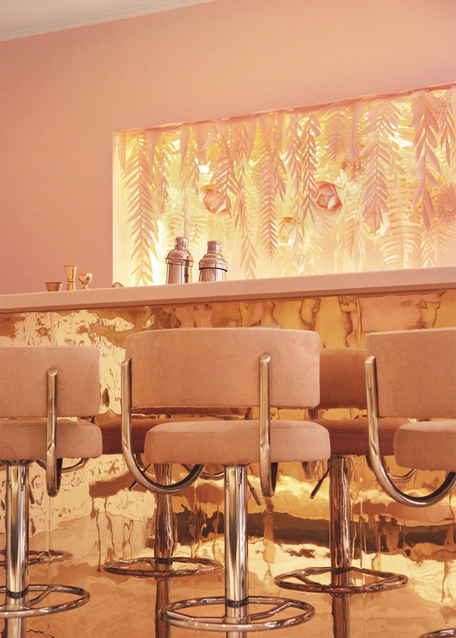 Esta barra de la tienda Naive en Kiev es una romántica idea para tu hogar. Foto WGSN.