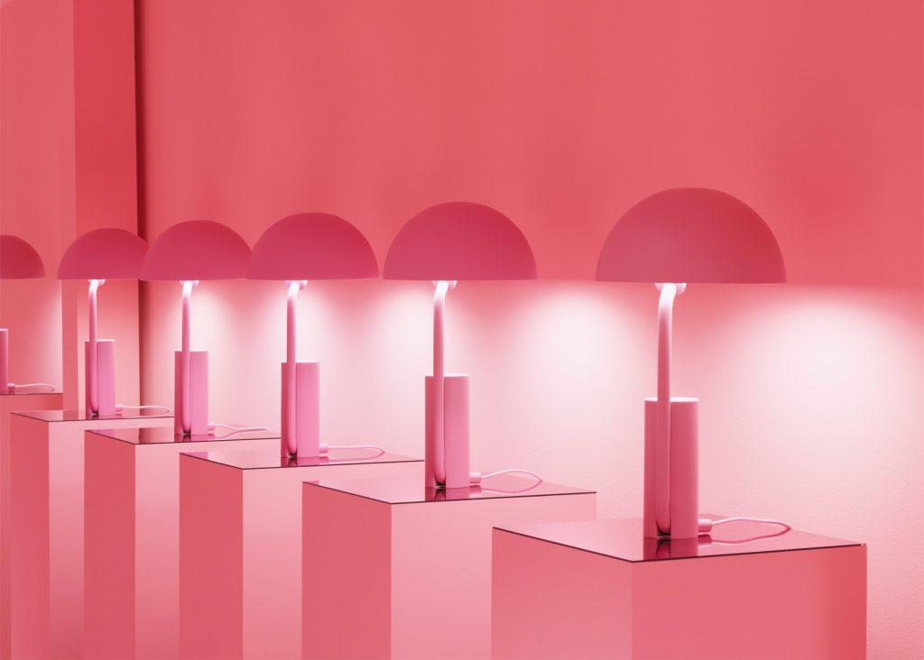 Puedes inspirarte en esta apuesta de Normann Copenhagen de Dinamarca y llevar un poco de color rosa a tu hogar. Foto WGSN.
