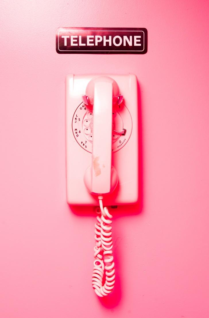 No todo tiene que ser rosa. Un simple detalle como este teléfono del restaurante Pietro Nolita de Nueva York puede ser más que suficiente en tu hogar. Foto WGSN.