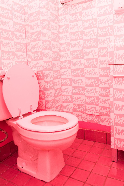 El rosa también puede replicarse en los baños. ¿Te gusta la propuesta del restaurante Pietro Nolita de Nueva York? Fotos WGSN.