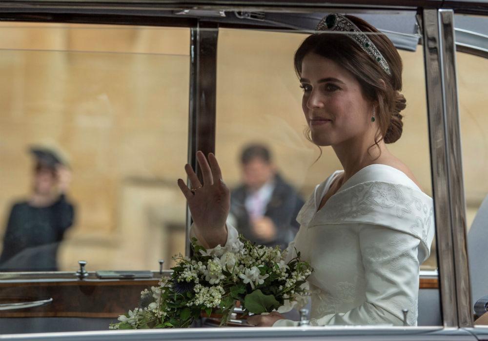 Le sigue su hermana menor, Eugenie, quien se casó el 12 de octubre con el ejecutivo de licores Jack Brooksbank. (AP)