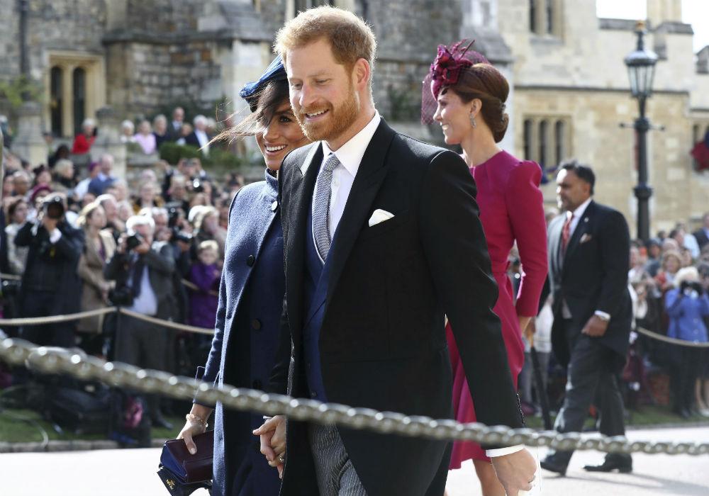 Le sigue Harry el hijo menor del príncipe Charles y la princesa Diana. (AP)