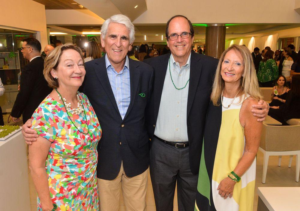 Katherine Stwart, James Karayannides, Carlos González Inclán y Susan Karayannides. Foto Enid M. Salgado Mercado.