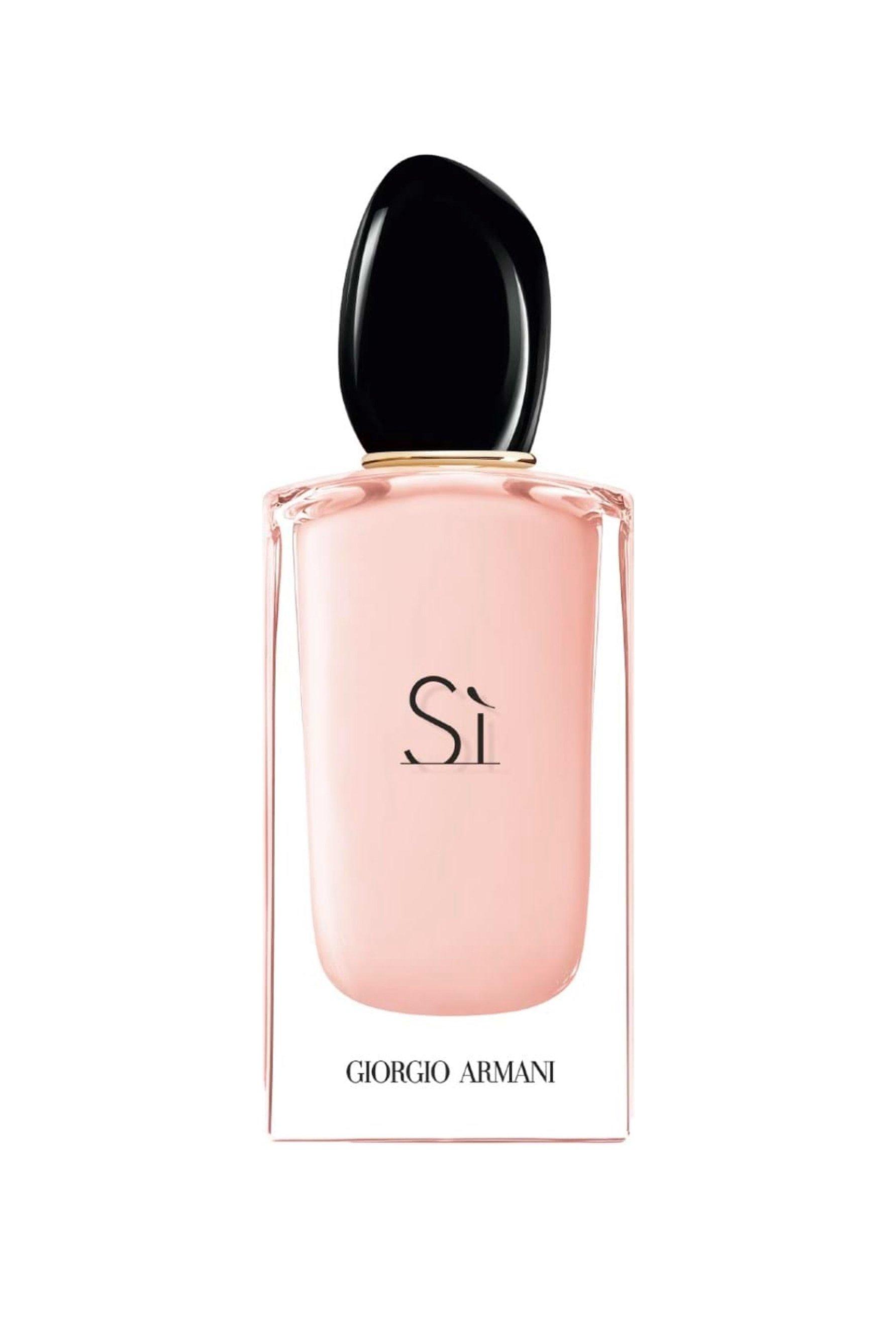 Creado por la perfumista Julie Massé, Sì Fiori reinterpreta la clásica Sì Eau de Parfum Chypre con neroli, mandarina verde, grosella negra, vainilla y almizcle blanco. (Suministrada)