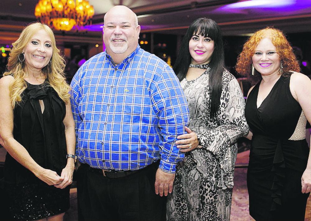 Margarita Aponte, Johnny Méndez, Lizandra Maldonado y Lisa Lugo. (Foto: Xavier García)