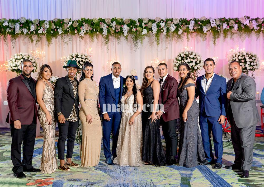 """Al igual que para la boda de Javy Báez, varios miembros del """"Team Rubio"""" asistieron a la celebración, entre ellos, Joseph Colón, Francisco Lindor, Báez y José Berríos, todos junto a sus parejas. (Suministrada/ Claudette Montero)"""